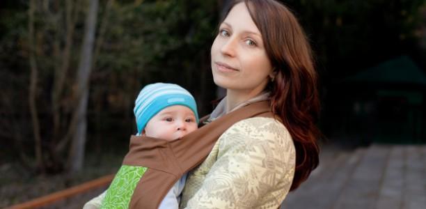 Affrontez l'étape de l'écharpe de portage pour bébé avec succès !