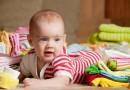 Comment se préparer à l'arrivée d'un nouveau-né : linge et vêtements