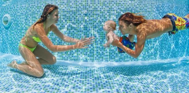 Le bébé nageur